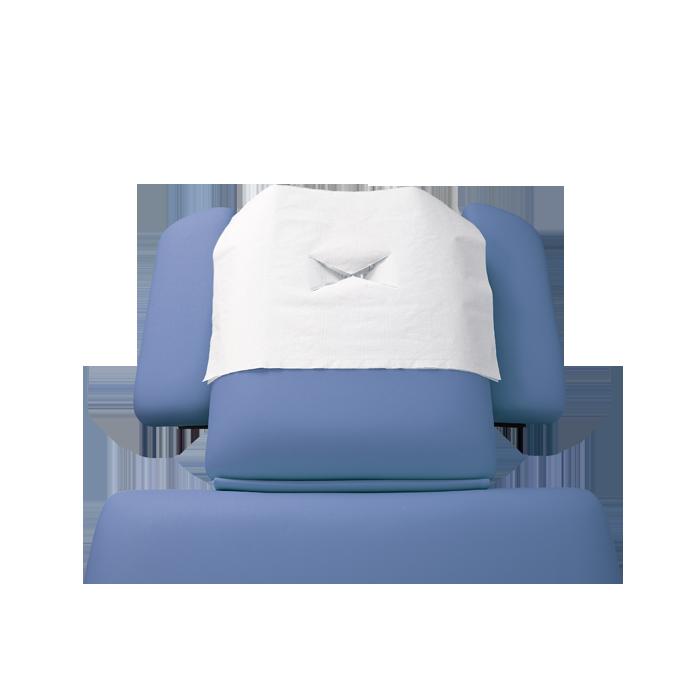 Nasenschlitztuch auf blauer Kopfstütze